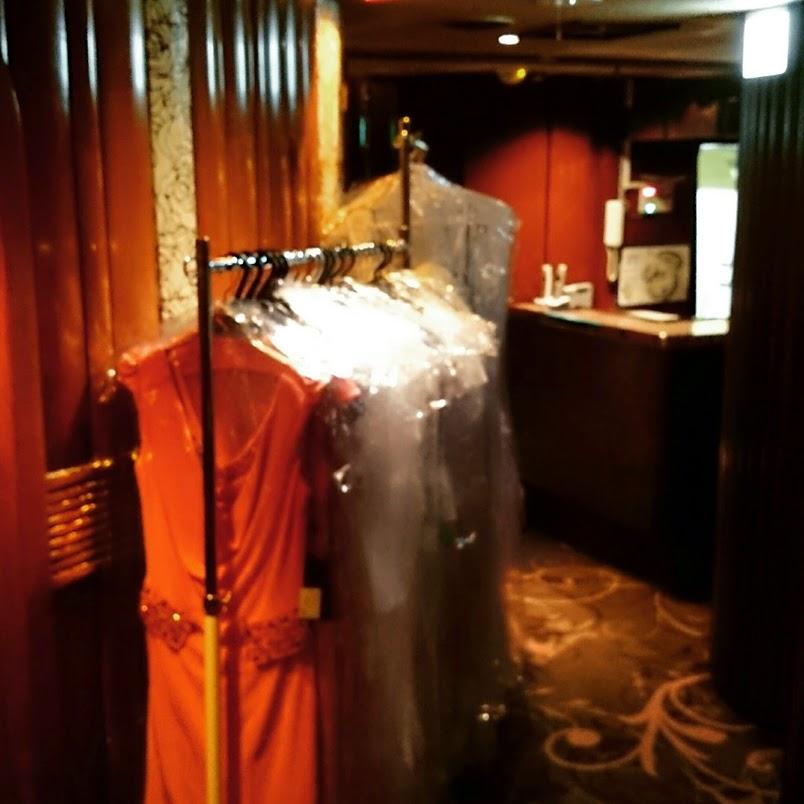 クラブ花かんざし総合ミーティングでドレス販売