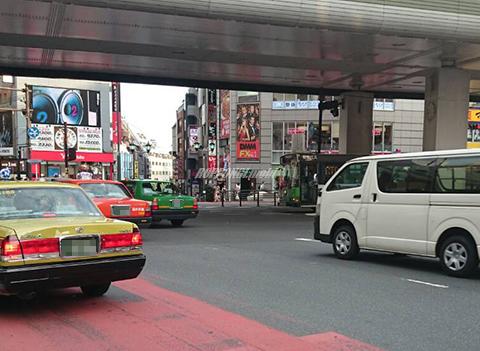 2015年8月の六本木交差点