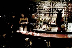 bunnygirl-roppongi-bar-bnoir-02