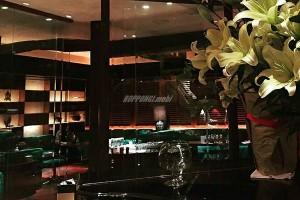 六本木の高級クラブ「茜・アカネ」店内画像4
