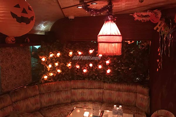 六本木ハロウィン!高級クラブ「花かんざし」ハロウィーン仕様の店内画像